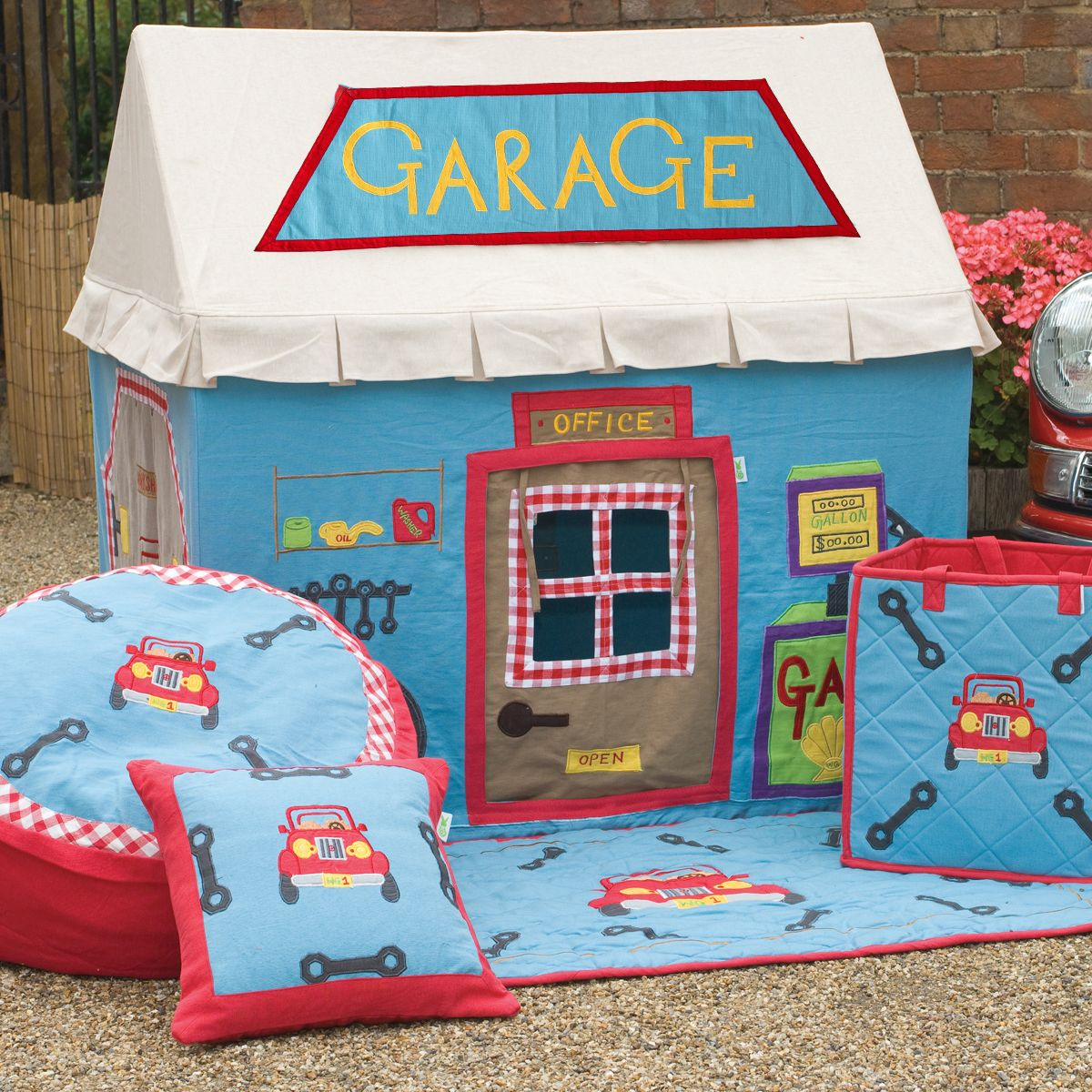 Childrens Boys Large Win Green Stans Motors Garage Playhouse